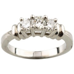 Platinum Three-Stone Round Diamond Ring TDW 0.40 Carat