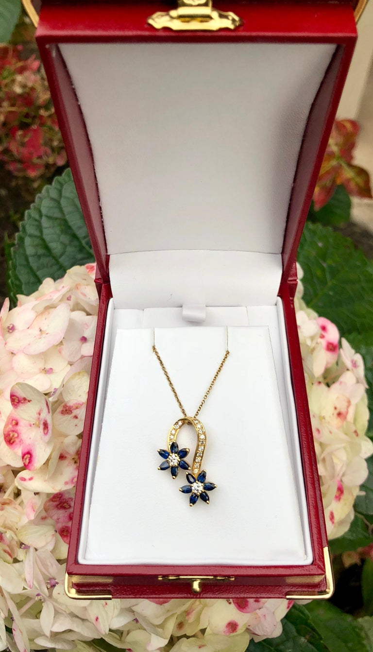 Playful Spinning Flowers Sapphire Diamond 18 Karat Yellow Gold Pendant on Chain In Excellent Condition For Sale In Tustin, CA