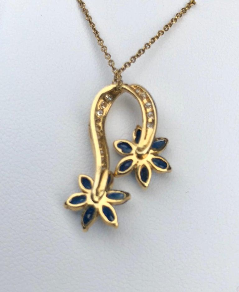 Playful Spinning Flowers Sapphire Diamond 18 Karat Yellow Gold Pendant on Chain For Sale 3