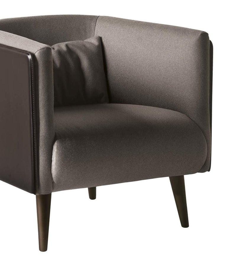 Plaza Dark Brown Leather Armchair In New Condition For Sale In Milan, IT