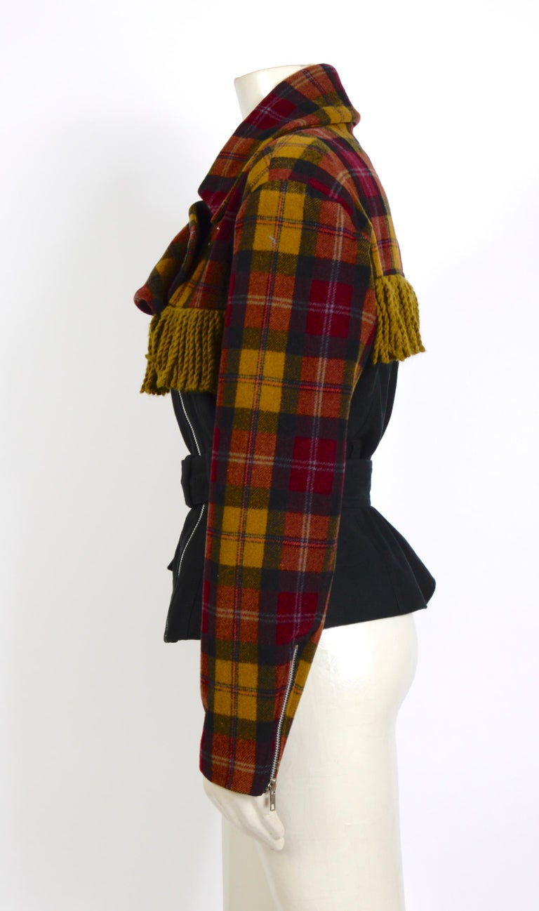Plein Sud 1980s vintage wool fringed short belted jacket In Excellent Condition For Sale In Antwerp, BE