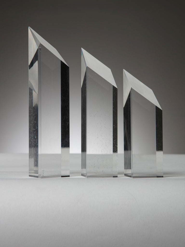 Plexiglass sculpture composed by three pieces freely adjustable by Alessio Tasca for Fusina.