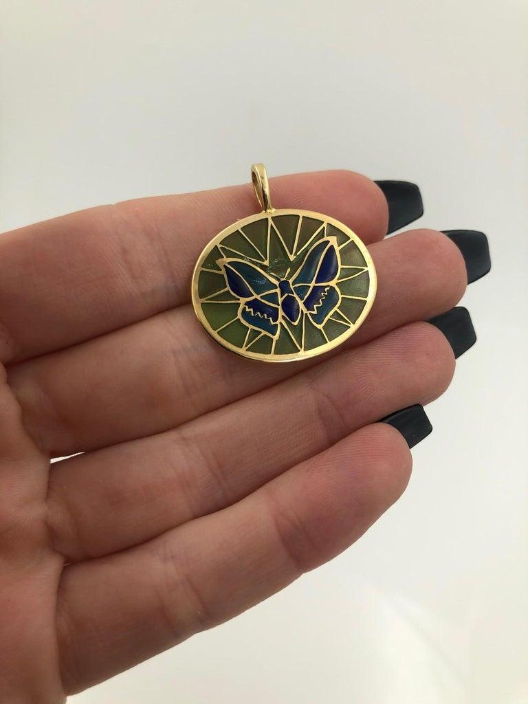 Plique a Jour Butterfly Enameled Glass 18 Karat Gold Pendant For Sale 3