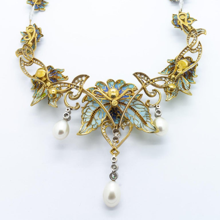 Plique-a-Jour Enamel Pearl Diamond Flower Necklace In Good Condition For Sale In London, GB