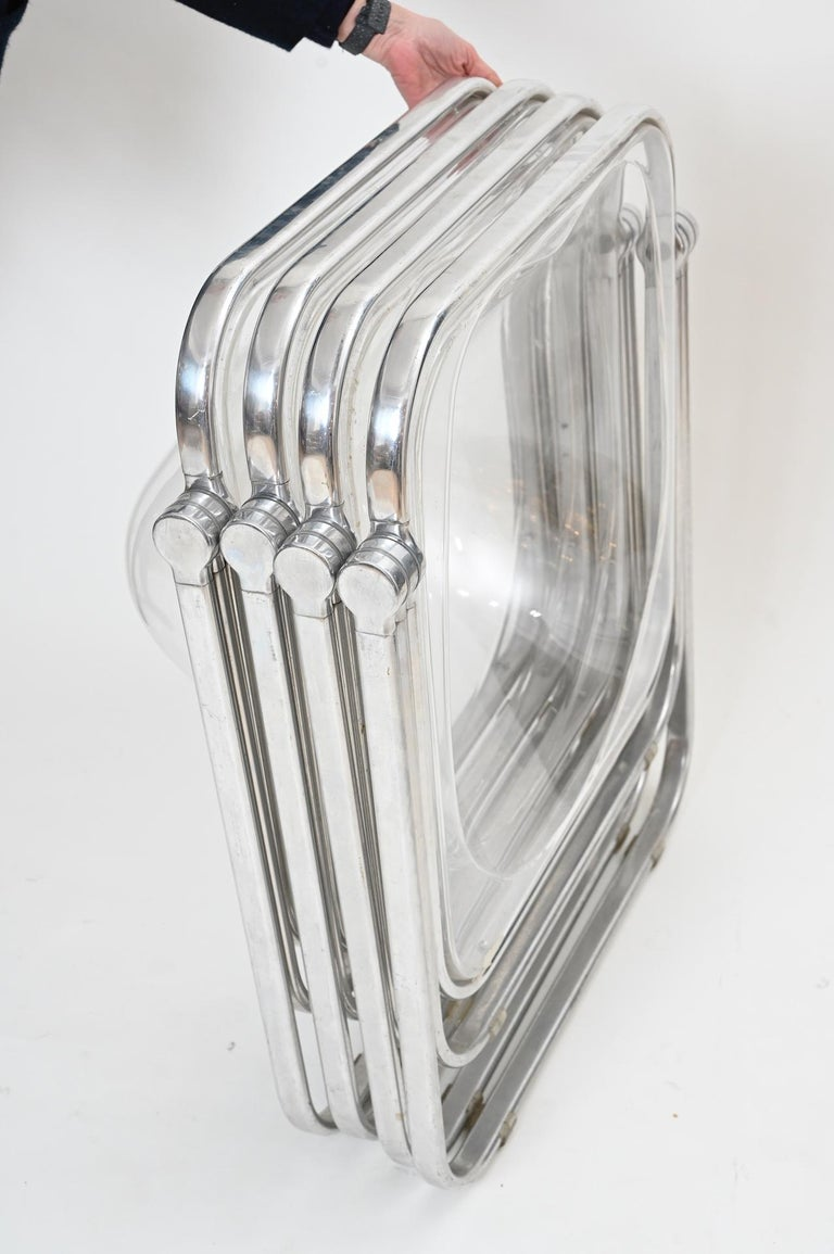 Plona Folding Chairs in Clear Lucite by Castelli, circa 1970 For Sale 6