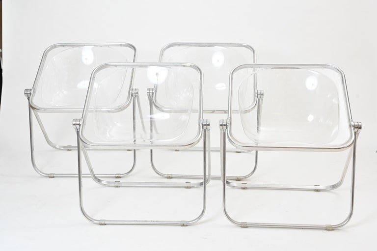 Mid-Century Modern Plona Folding Chairs in Clear Lucite by Castelli, circa 1970 For Sale