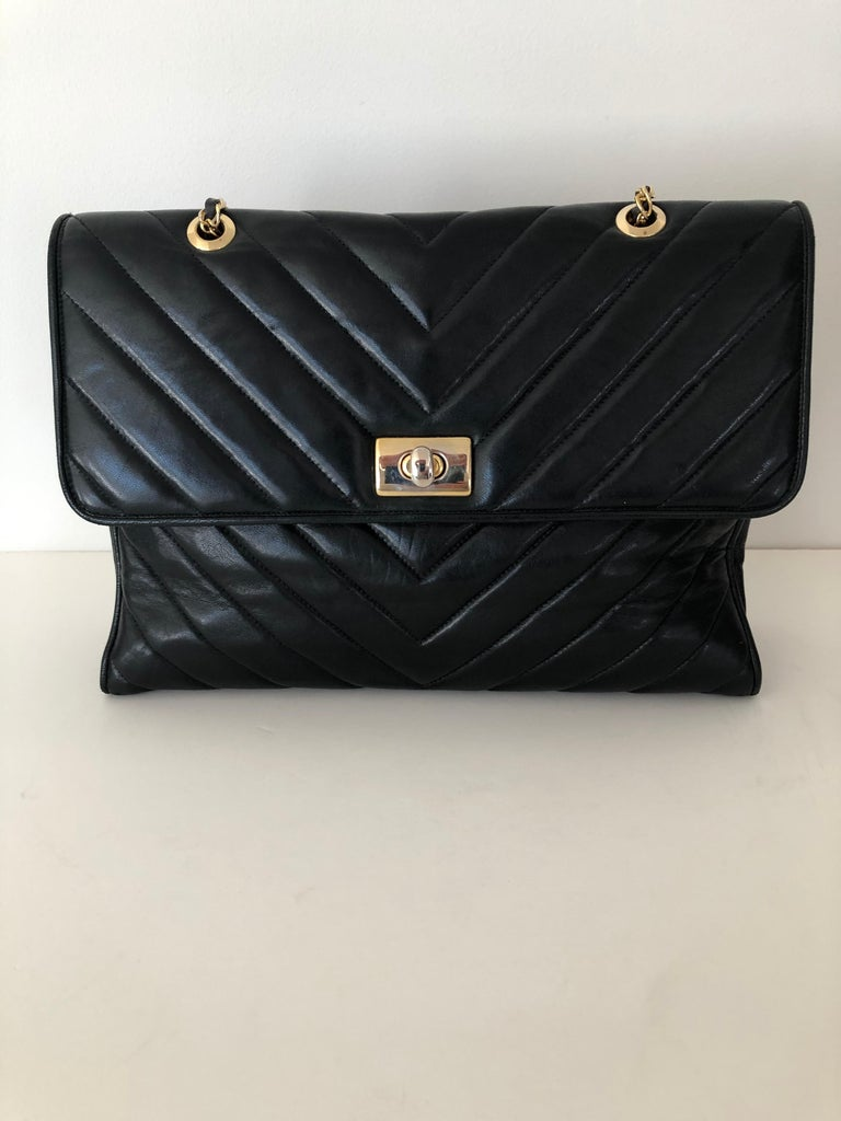French Pocketbook Fine Quilted Black Leather with Extra Long Chain Classic Chic For Sale