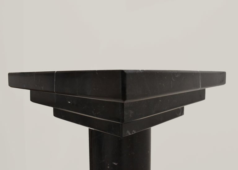 Podium or Column in Spanish Nero Maquina Black Marble by Element&Co In New Condition For Sale In Madrid, ES