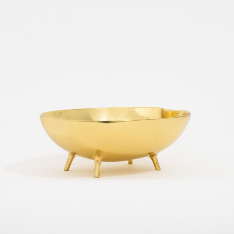 Polished Brass Bowl with Legs In New Condition For Sale In London, GB