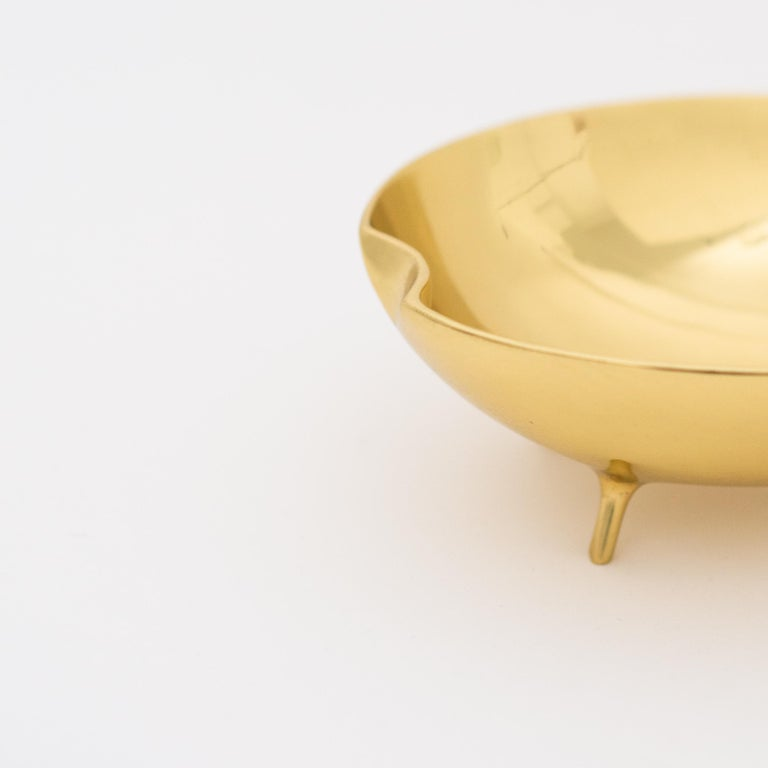 Polished Brass Bowl with Legs For Sale 1