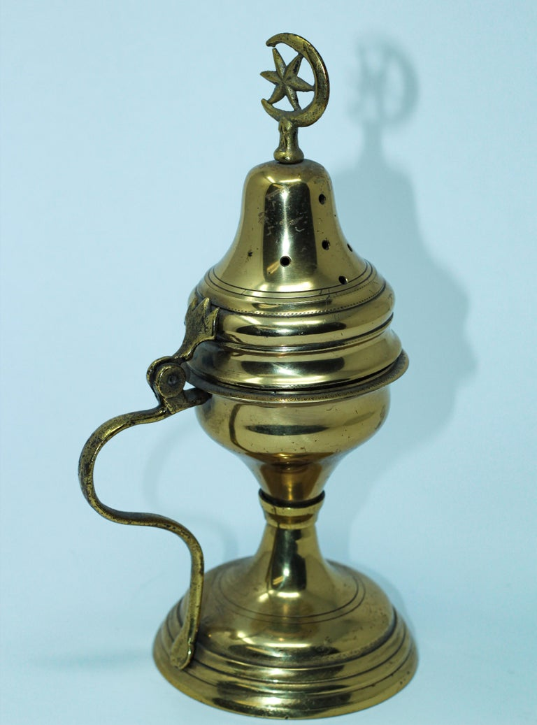 Polished Brass Incense Burner with Crescent Moon and Star Symbol For Sale 3