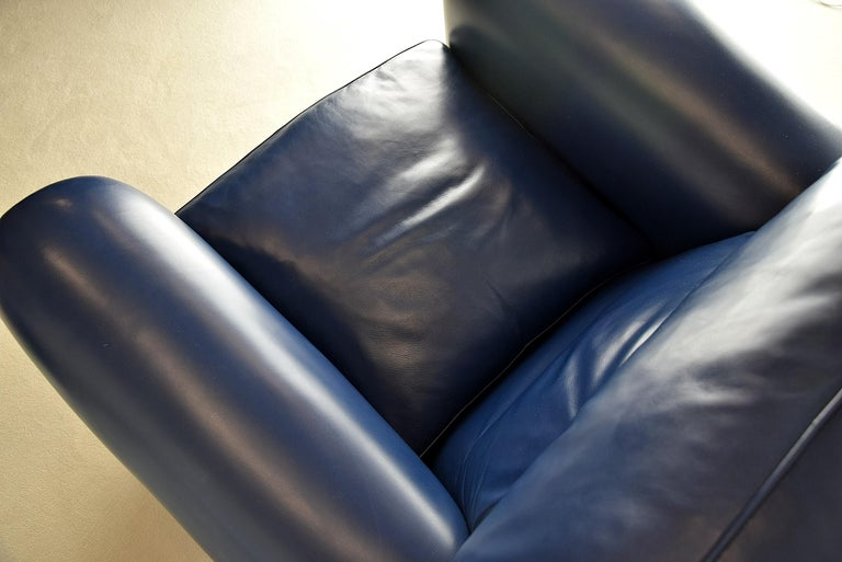 Poltrona Frau Midnight Blue Leather Edoardo Armchair In Good Condition For Sale In Weesp, NL