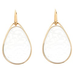 Pomellato Victoria Carved Agate 18k Yellow Gold Drop Earrings
