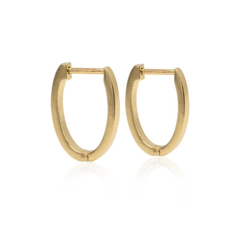 Mon Pilar Jewelry Pompeii Hoop Earring in 14kt Gold with Diamond Slice Charms In New Condition For Sale In Brooklyn, NY