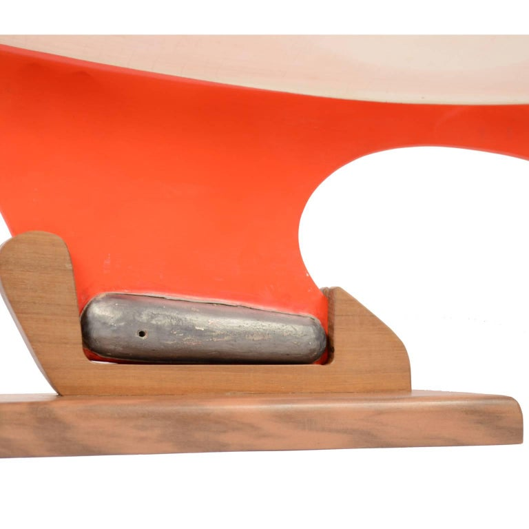 Pond Model on Wooden Base, Red and White Hull Made in the 1950s For Sale 9
