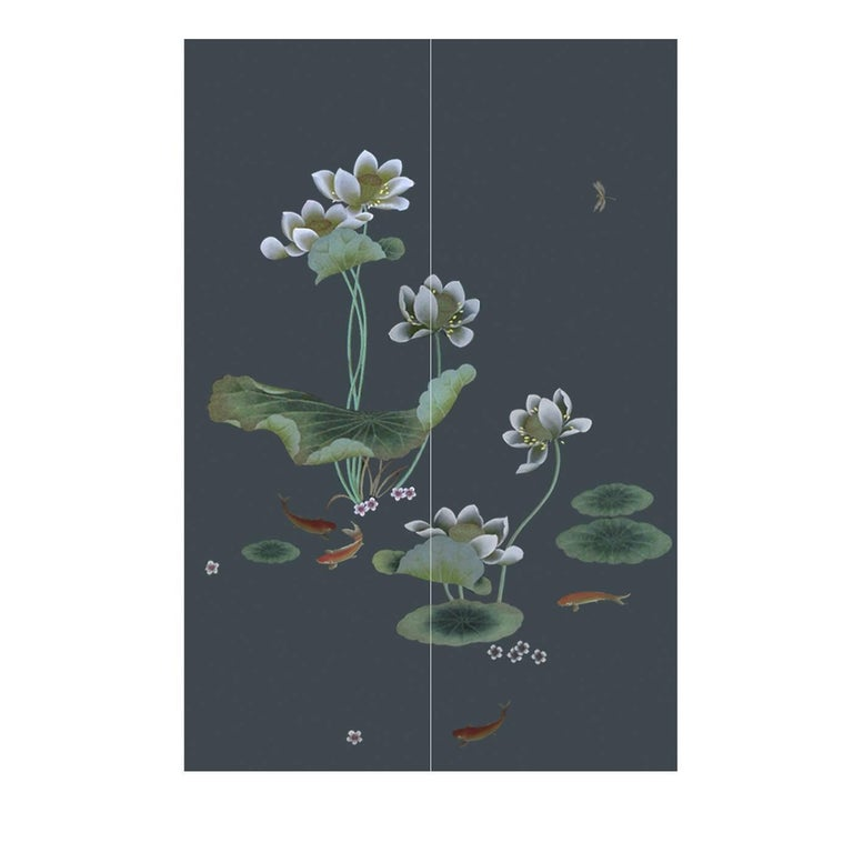 This piece is part of the China Classic collection which revisits the ancient tradition of fantasy gardens. Hand-painted on silk, this elaborate work of art will bring the feeling of luxury to any home. The pattern chosen for this piece uses lotus