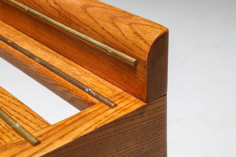 Ponti Style Suitcase Holders in Oak and Brass, circa 1958 For Sale 4
