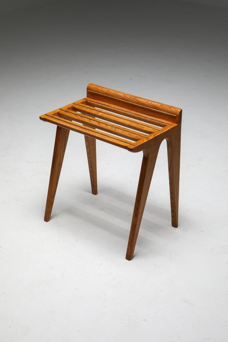 Ponti Style Suitcase Holders in Oak and Brass, circa 1958 For Sale 5