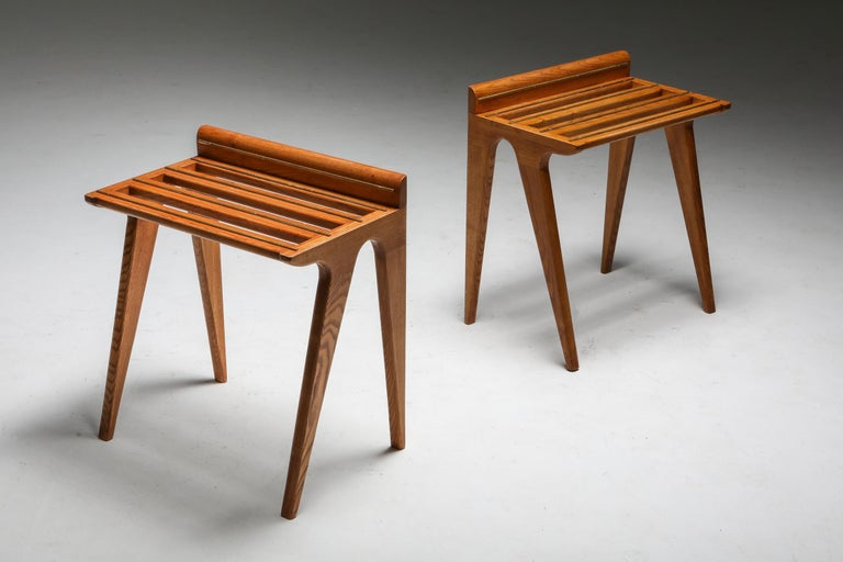Mid-20th Century Ponti Style Suitcase Holders in Oak and Brass, circa 1958 For Sale