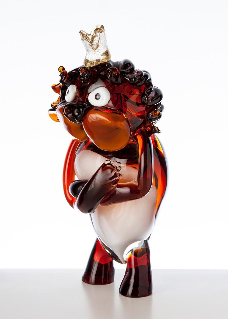 King lion, is a blown glass pop comic figurine with a passion for comedy. Created by Roberto Beltrami, in Murano glass.