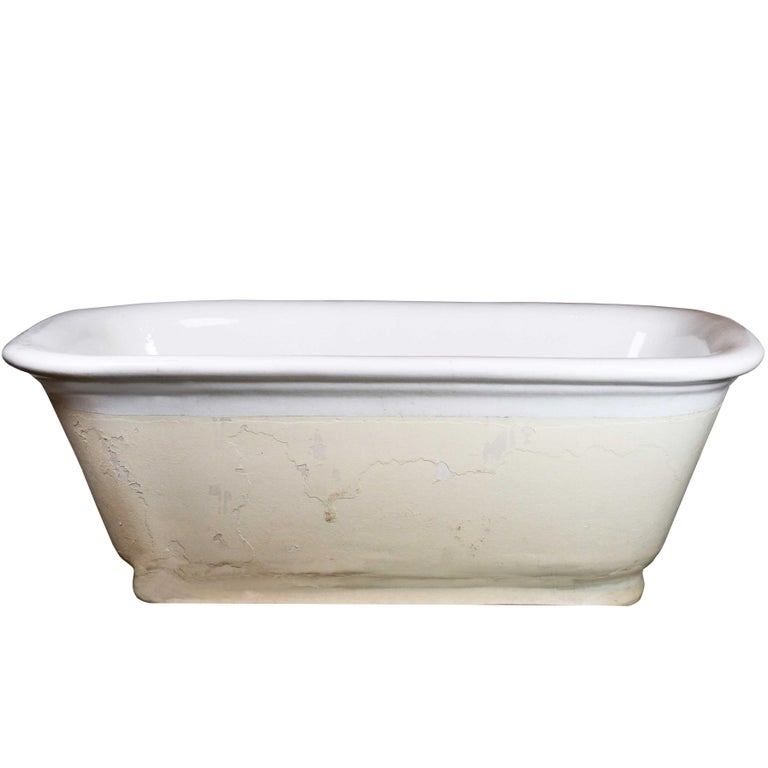 Porcelain Center Drain Tub At 1stdibs