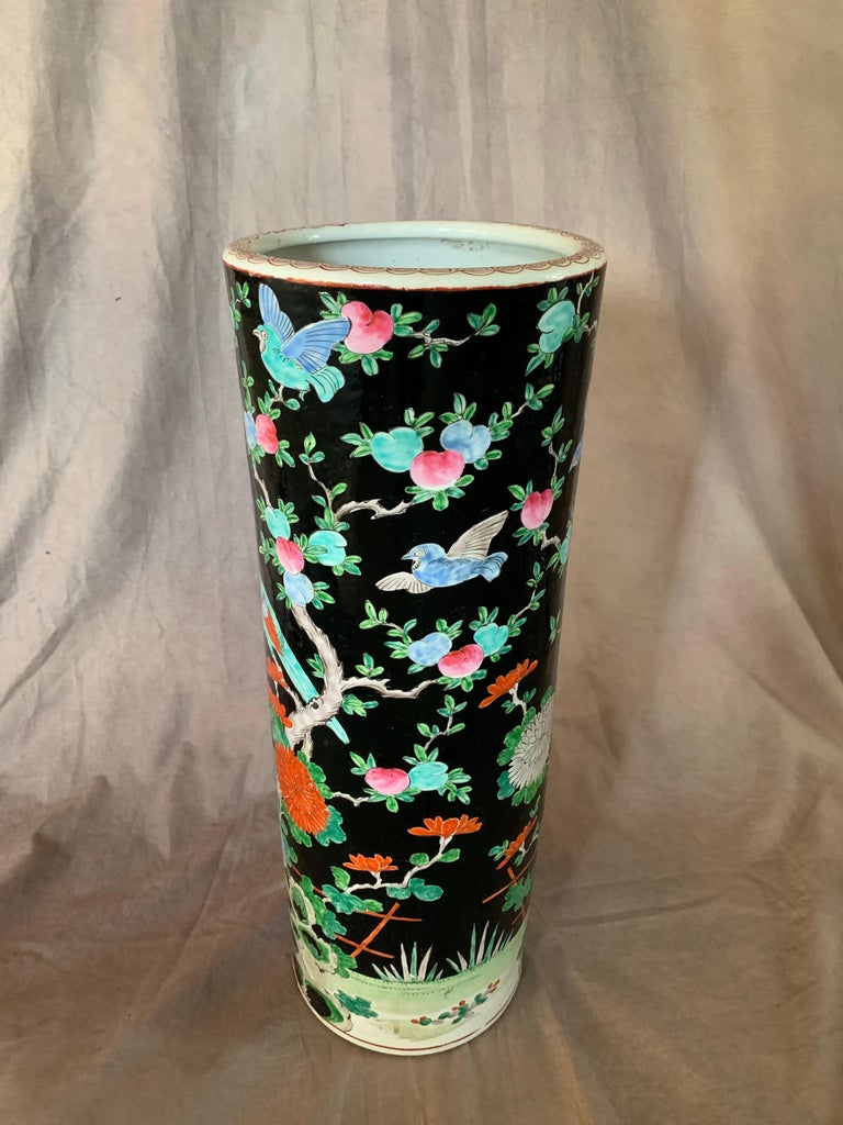 Chinese Export Porcelain Chinese Umbrella Stand Vase For Sale