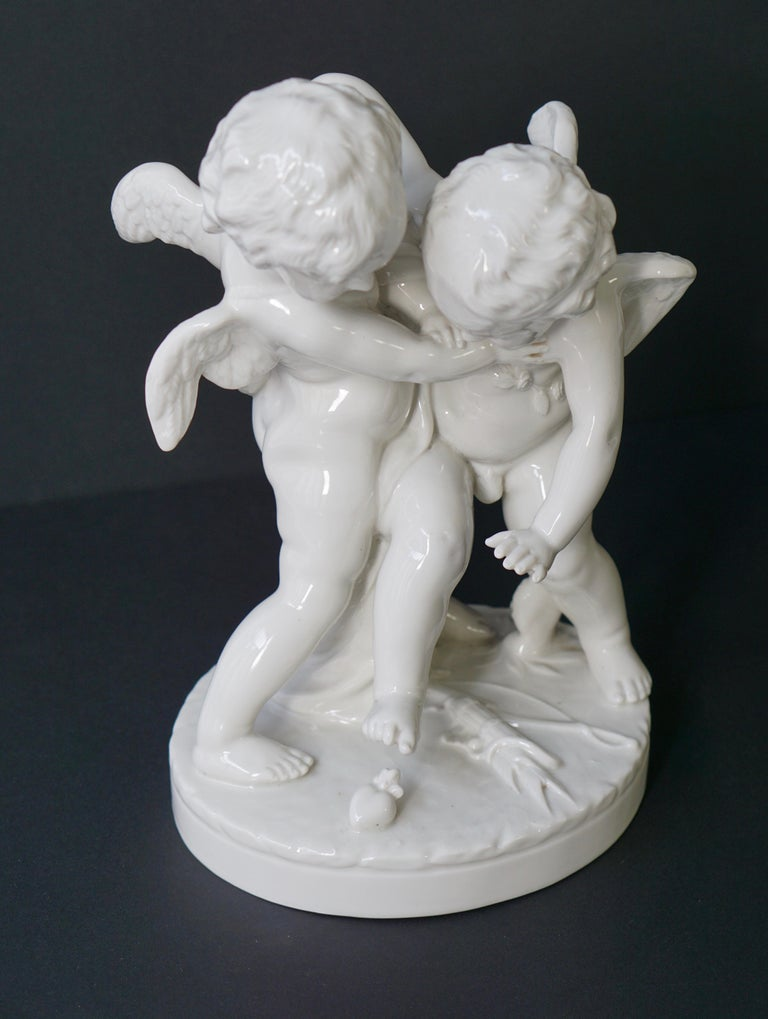 Porcelain Figurative Sculpture Representing Two Little Angels, Putti For Sale 6