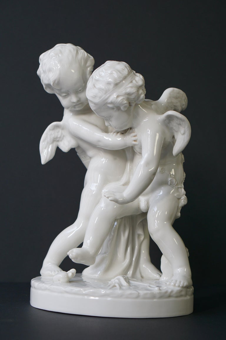 Mid-Century Modern  Porcelain Figurative Sculpture Representing Two Little Angels, Putti For Sale