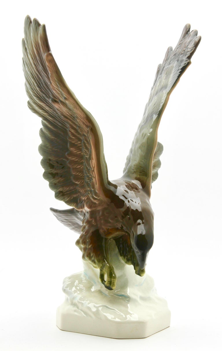 Mid-20th Century Porcelain Figurine of a Bird of Prey by Goebel Germany, Signed 'Goebel' For Sale