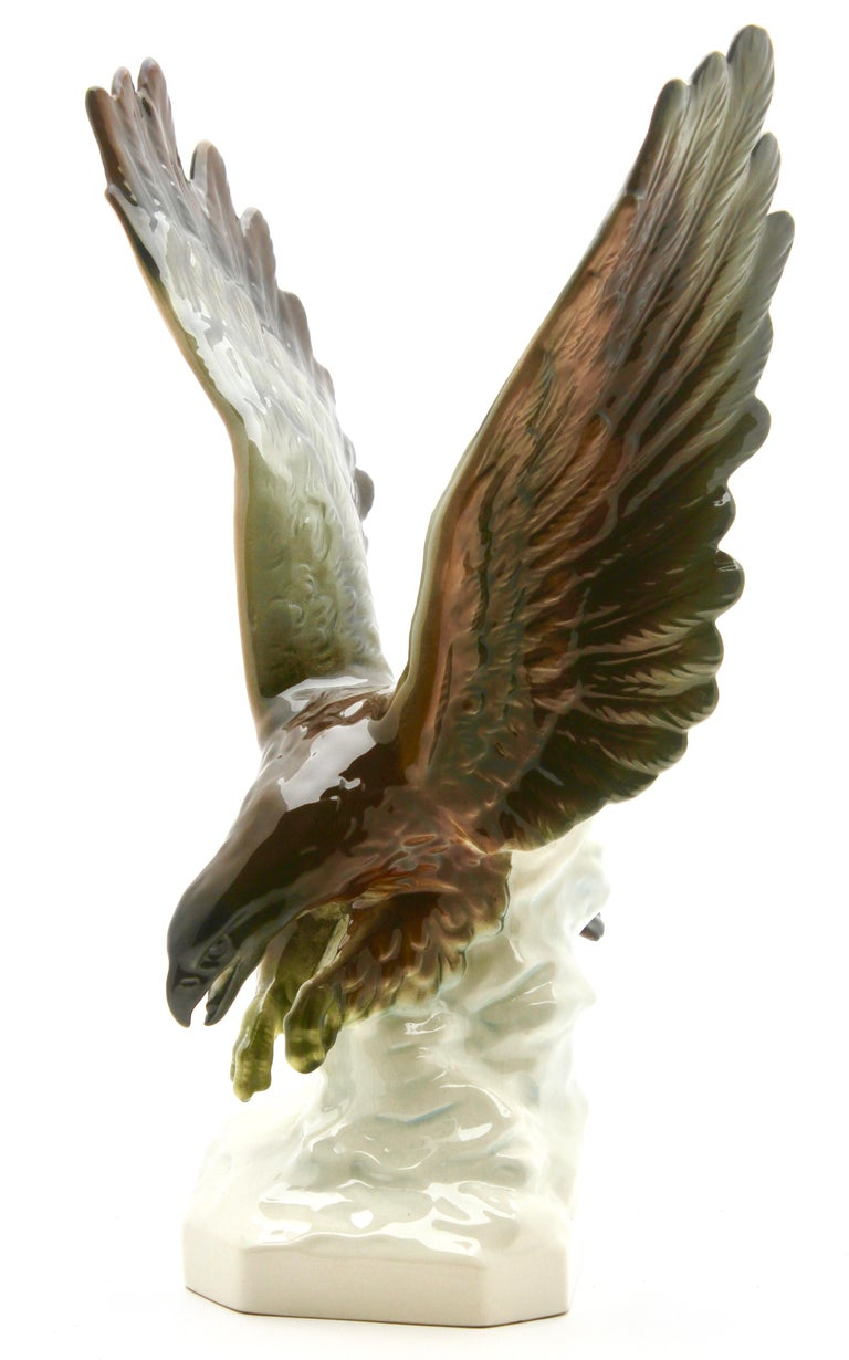 Porcelain Figurine of a Bird of Prey by Goebel Germany, Signed 'Goebel' For Sale 1