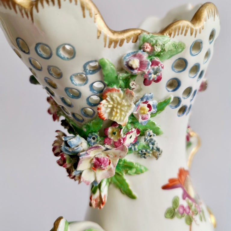 Porcelain Frill Vase in 18thC Chelsea Style Attr. to Edmé Samson, Rococo 19thC For Sale 4
