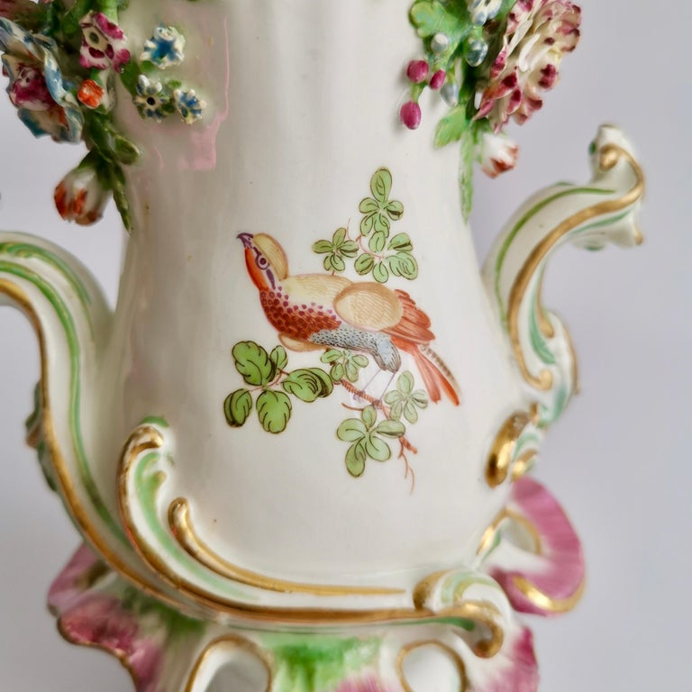 Porcelain Frill Vase in 18thC Chelsea Style Attr. to Edmé Samson, Rococo 19thC For Sale 3