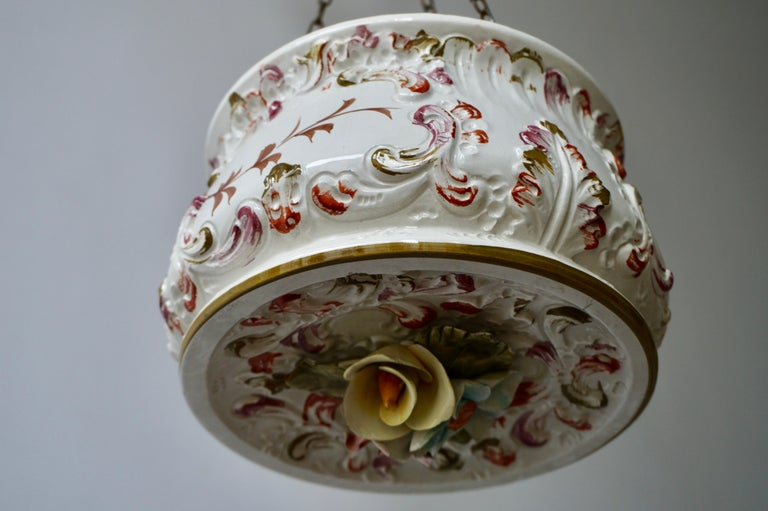 Porcelain Hanging Planter/Jardinière with Winged Putti For Sale 3