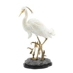 Porzellan-Reiher Skulptur in handbemaltem Porzellan und Messing