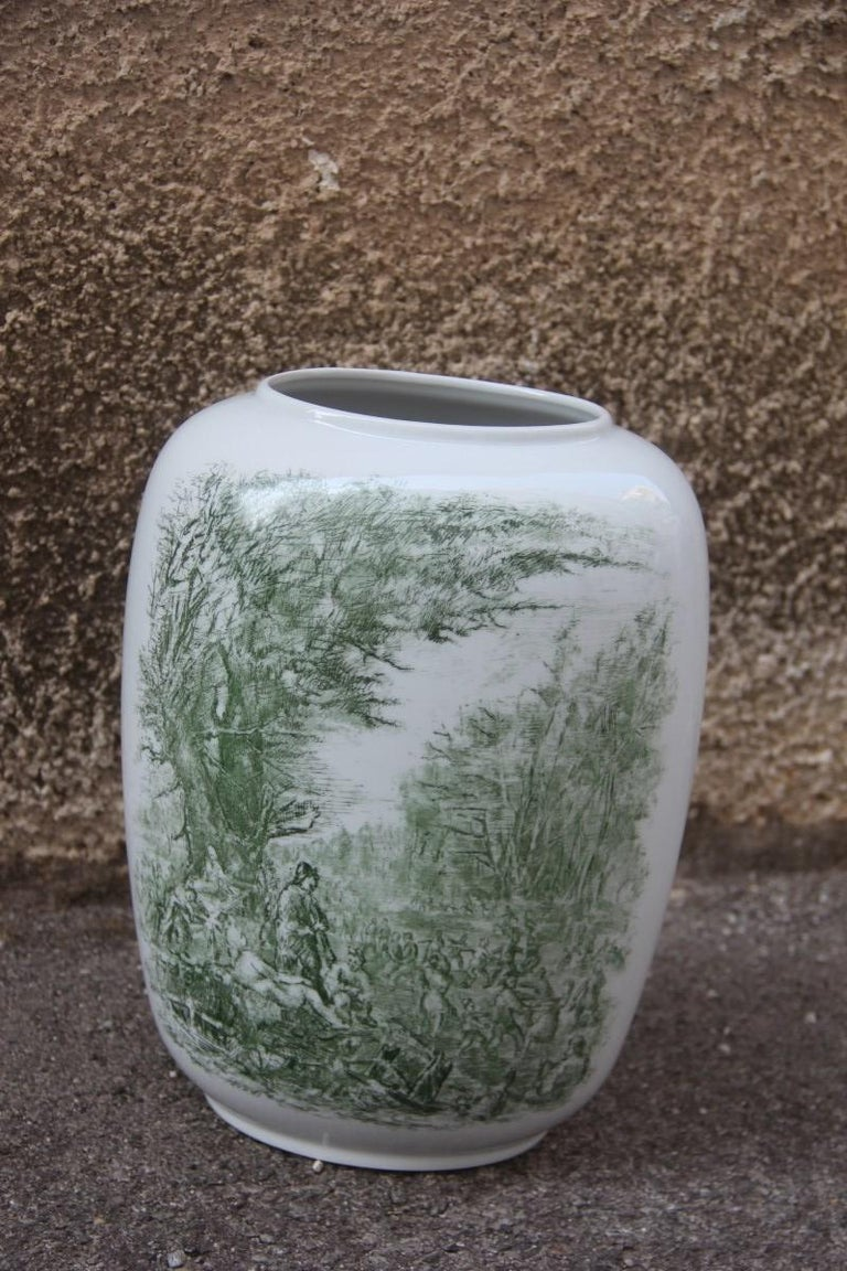 Porcelain midcentury Italian vase Guido Andloviz for Verbano Lavenia, 1950.