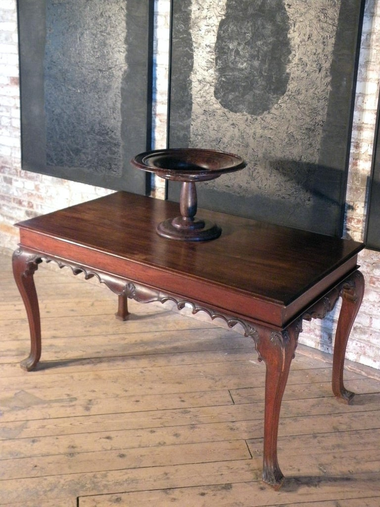 Portuguese Rococo 18th Century Mahogany Console Table / Side Table For Sale 4