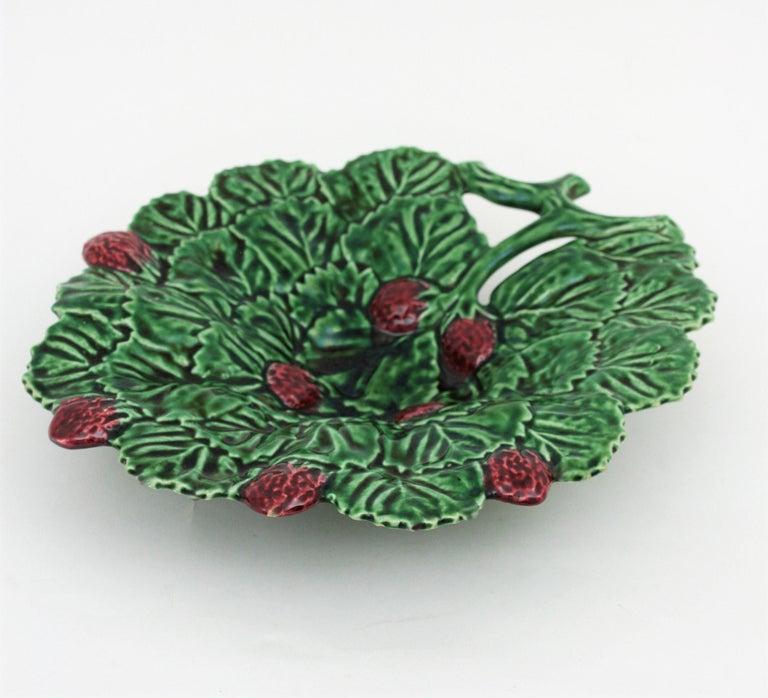 Portuguese Strawberry Leaf Glazed Ceramic Decorative Platter In Excellent Condition In Barcelona, ES