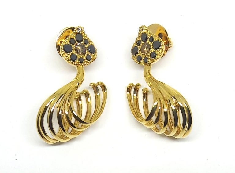 Round Cut Possess, Influence, Cherish, Pass on, with Contemporary Colored Diamond Earrings For Sale