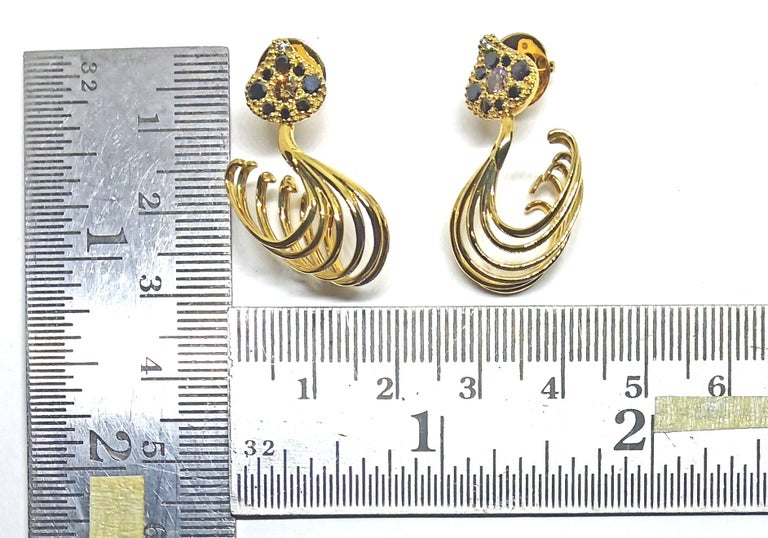 Possess, Influence, Cherish, Pass on, with Contemporary Colored Diamond Earrings For Sale 4