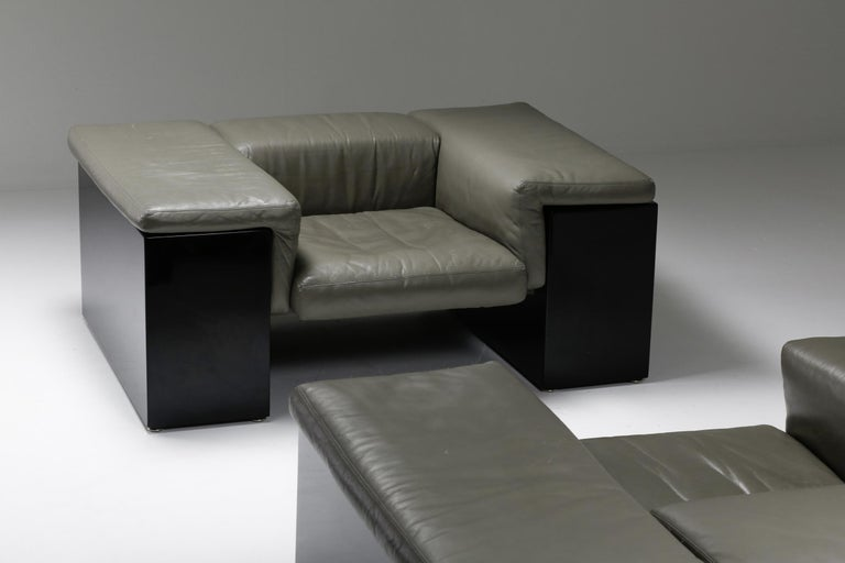 Post-Modern Cini Boeri 'Brigadier' Lounge Chairs in Elephant Grey Leather In Good Condition For Sale In Antwerp, BE