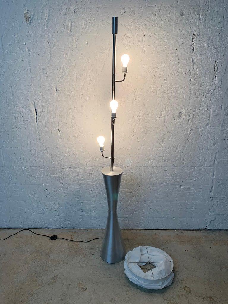 Postmodern Geometric Sculptural Aluminum Floor Lamp, USA, 1980s For Sale 1