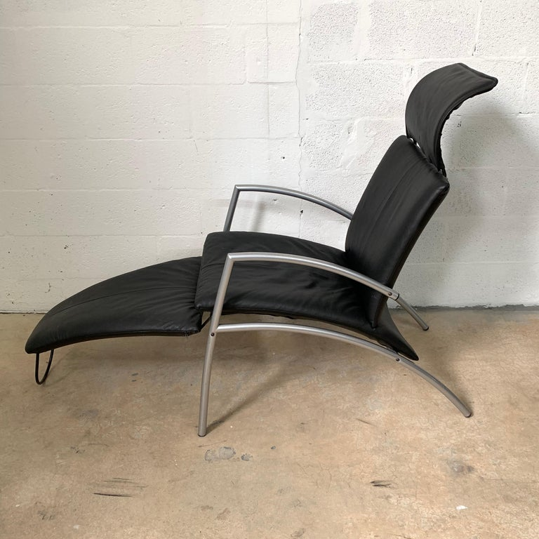 Postmodern Kebe Leather Convertible Lounge or Armchair, Denmark In Good Condition For Sale In Miami, FL