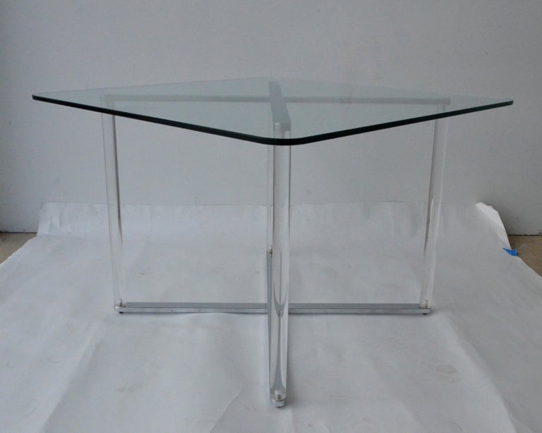Post-Modern Minotti Style Square Lucite, Glass and Chrome X-Base Side /End / Cocktail Table For Sale