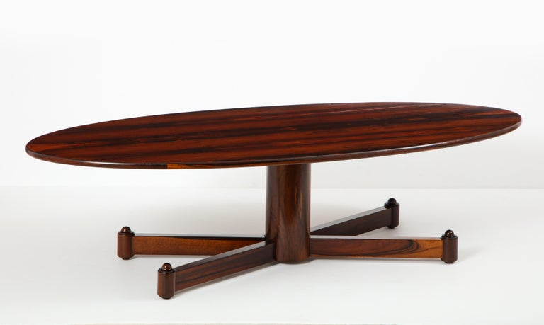Brazilian Mid-Century Modern Oval Coffee Table, 1950s In Good Condition For Sale In Miami, FL