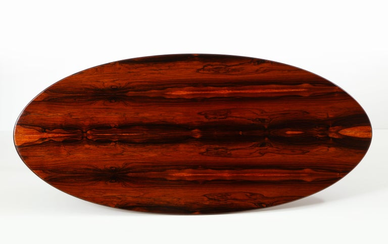 Brazilian Mid-Century Modern Oval Coffee Table, 1950s For Sale 3