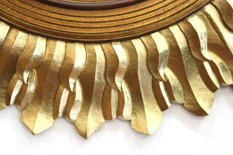 Post-Modern Sunburst Mirror in Carved Giltwood Frame For Sale 1