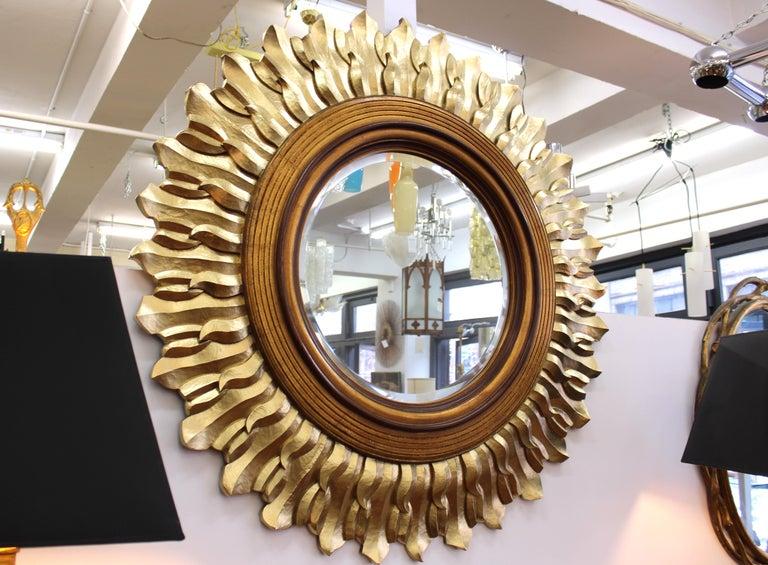 Post-Modern Sunburst Mirror in Carved Giltwood Frame For Sale 2