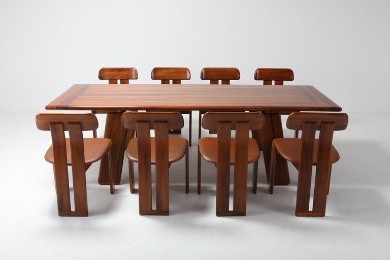 Postmodern Walnut Dining Table by Afra & Tobia Scarpa For Sale 4