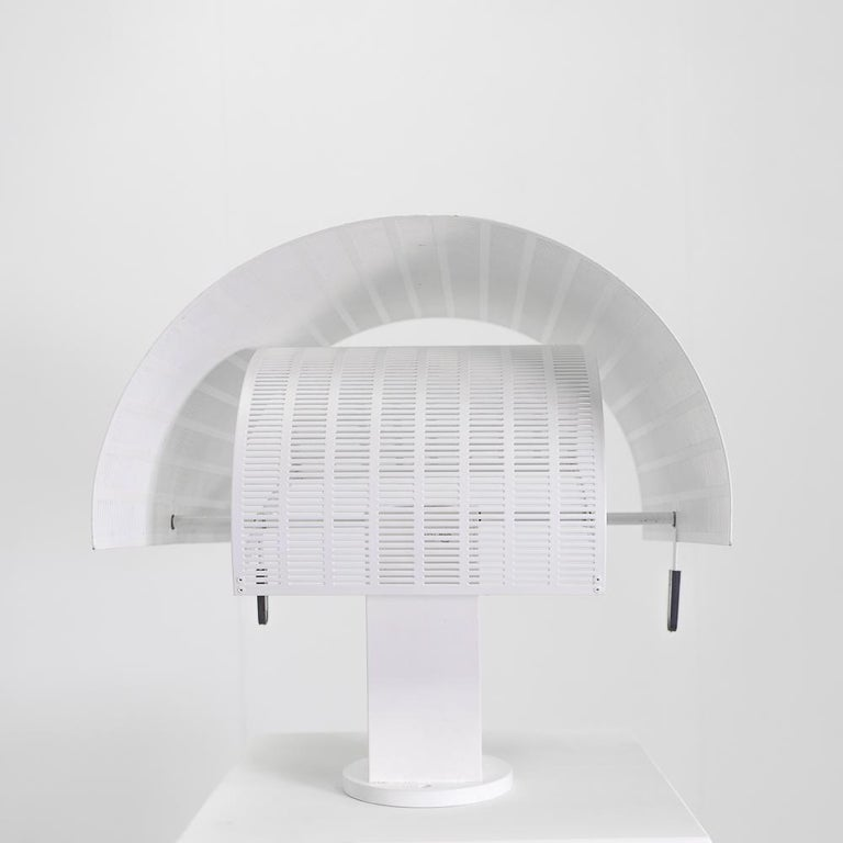 Postmodern Artemide Shogun Wall Lamps by Mario Botta, 1980s  In Good Condition For Sale In Renens, CH
