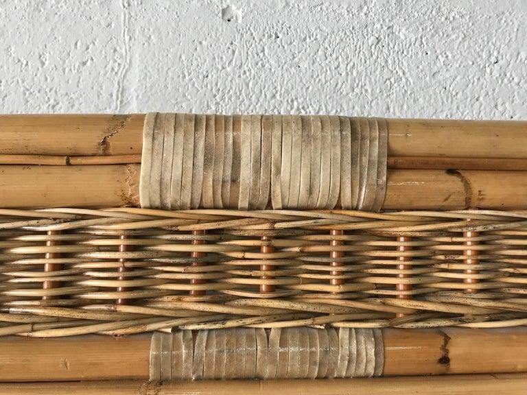 Postmodern Bamboo Wicker Rattan Mirror In Excellent Condition For Sale In Miami, FL